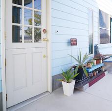 とことんアメリカンを貫いた家を建てたいPOINT.01 段差が少ないアメリカンスタイルの玄関が良い!イメージ01